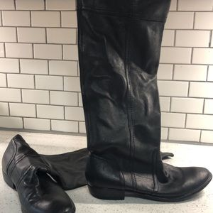 Beautiful Black Leather tall Boots